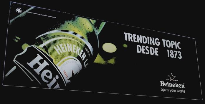 Valla social de la nueva campaña de Heineken
