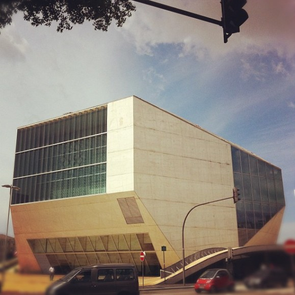 La Casa da Musica desde el exterior. Pura inspiración.